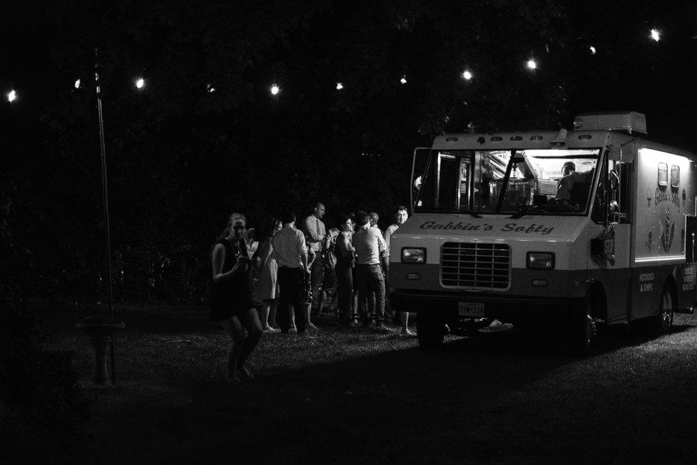 chesapeake-bay-backyard-wedding-photos_0058.jpg