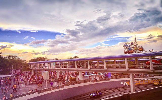 Speeding past Tomorrow(land) at a peoples moving pace. -_-_-_-_-_-_- #igers_wdw #Disney #Disneyworld #Disneygram #WDW #InstaDisney #WaltDisneyWorld #DisneyNerd #DisneyLife #DisneyAddicts #DisneyBlog #Themepark #DisneyPark #DizColors #DisneyLove #DisneySide #Disneygramers #DisneyPics #InstaGood #InstaLove #ItAllStartedWithAMouse #ILoveDisney #DisneyMagic #Disnerd #Speedway #Tomorrowland
