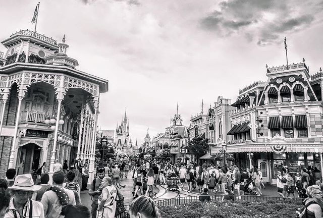 Gotta say that the more I shoot/edit BW shots in #MagicKingom, the more I enjoy how it all looks. -_-_-_-_-_- #igers_wdw #Disney #Disneyworld #Disneygram #WDW #InstaDisney #WaltDisneyWorld #DisneyNerd #DisneyLife #DisneyAddicts #DisneyBlog #Themepark #DisneyPark #DizColors #DisneyLove #DisneySide #Disneygramers #DisneyPics #InstaGood #InstaLove #ItAllStartedWithAMouse #ILoveDisney #DisneyMagic #Disnerd #Monochrome #BW