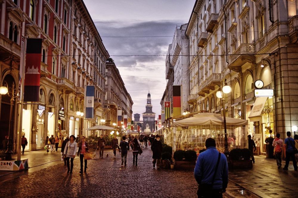 Milan-shopping2.jpg