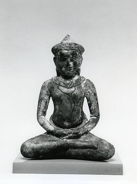448px-Cambodian_-_Seated_Buddha,_in_Meditation_-_Walters_ArtMuseum Wikimedia commons 542687.jpg