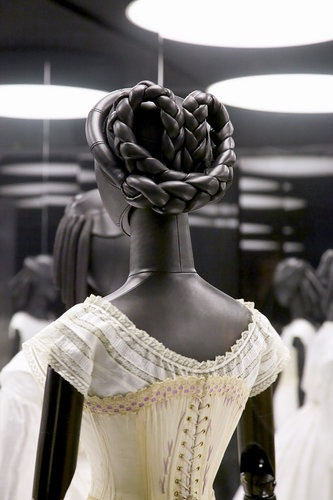 philipp-mohr-exhibition-design-louis-vuitton03.jpg