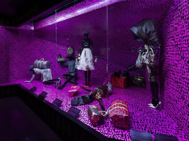 philipp-mohr-exhibition-design-louis-vuitton08.jpg