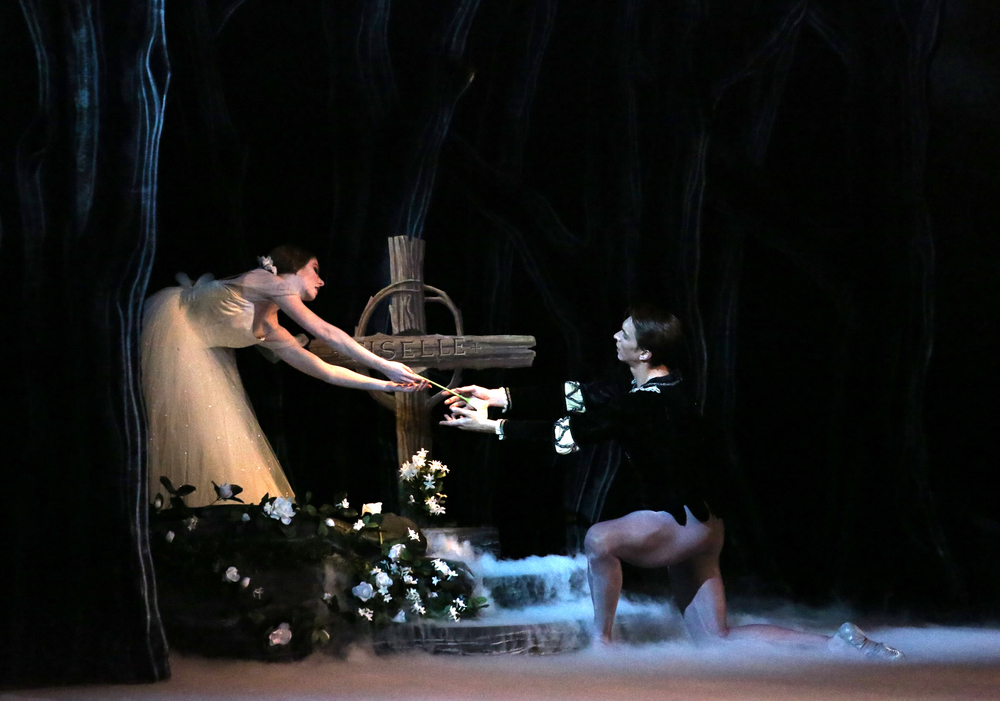 Alexsandra Meijer and Brett Bauer in Alicia Alonso's  Giselle,  photo by Bari Lee.