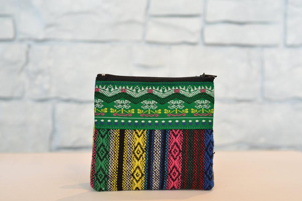 Porte-monnaie Tuksin  20.00$ CAD