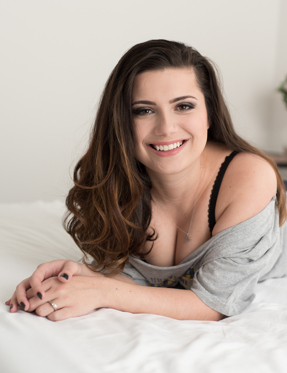 Natural and classy women's boudoir photography Clarksville TN