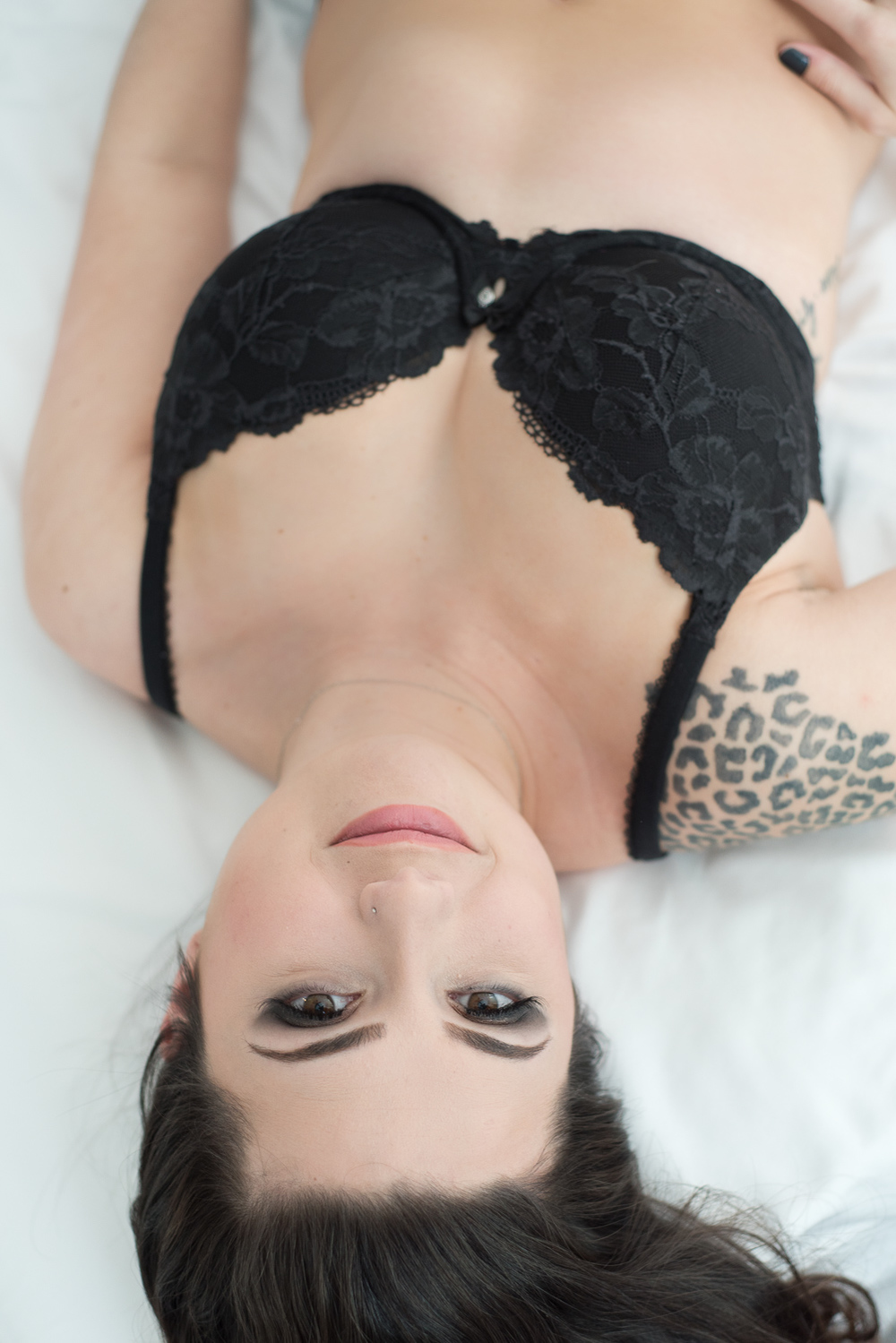 Have you ever wondered what it's like to do boudoir photos? Read about it from a client's perspective! via D. Phillips Photography