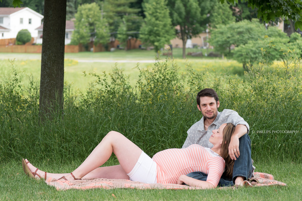 Maternity photographer | D. Phillips Photography in Clarksville, Tennessee