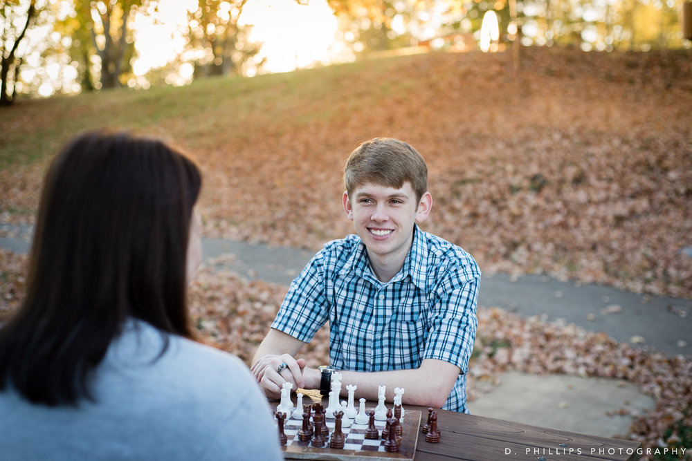 Lifestyle senior photos  , Clarksville TN & Fort Campbell KY | D. Phillips Photography | www.dphillipsphotography.com