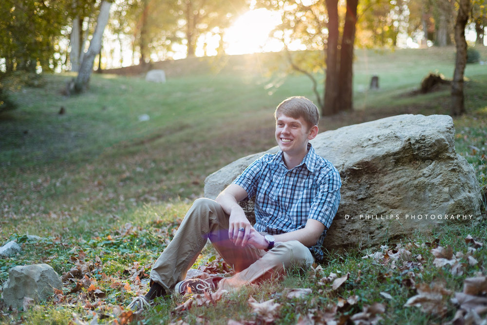 Outdoor natural light senior photos, Clarksville TN | www.dphillipsphotography.com | Jason Carnahan