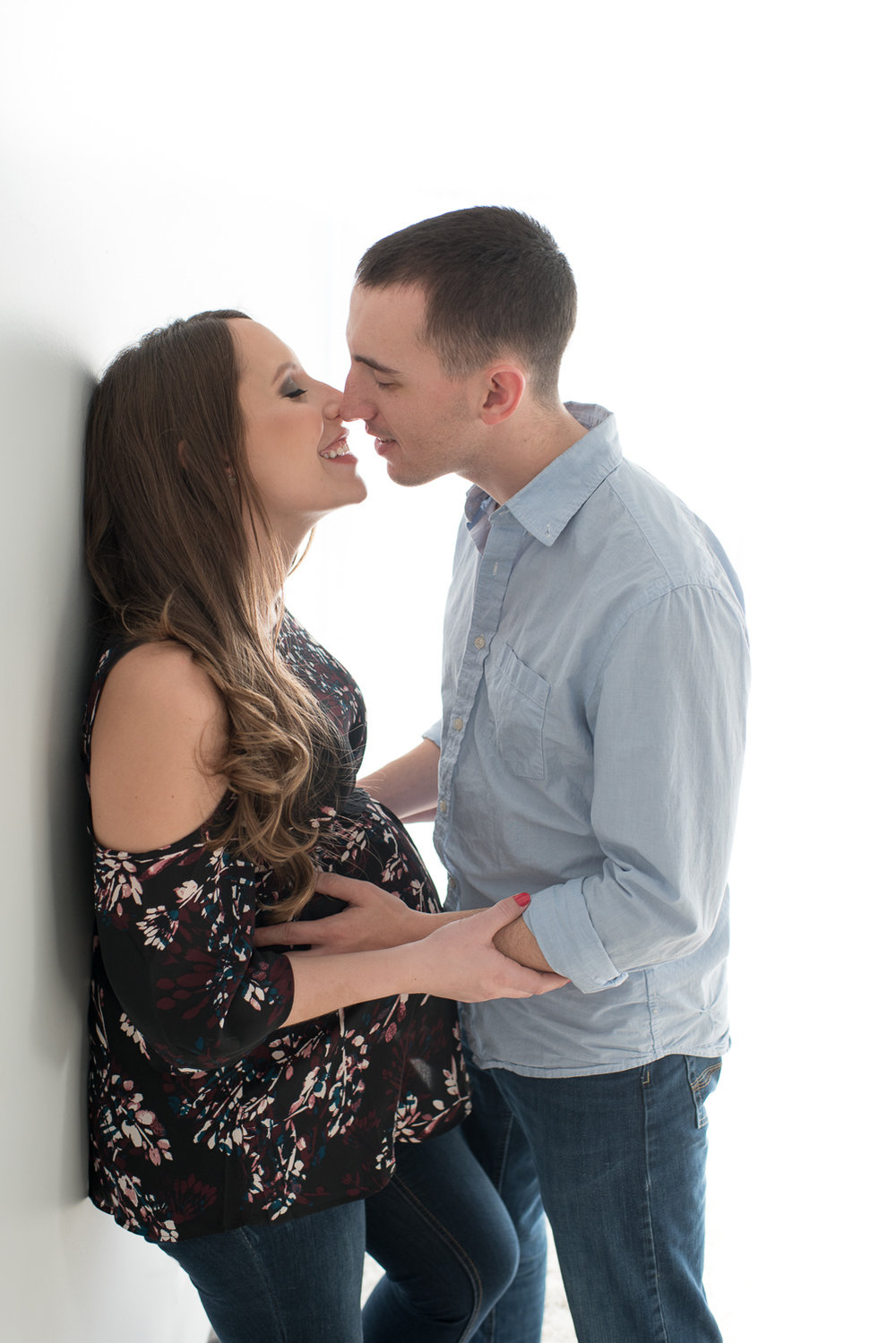 Candid and professional maternity photographer | D. Phillips