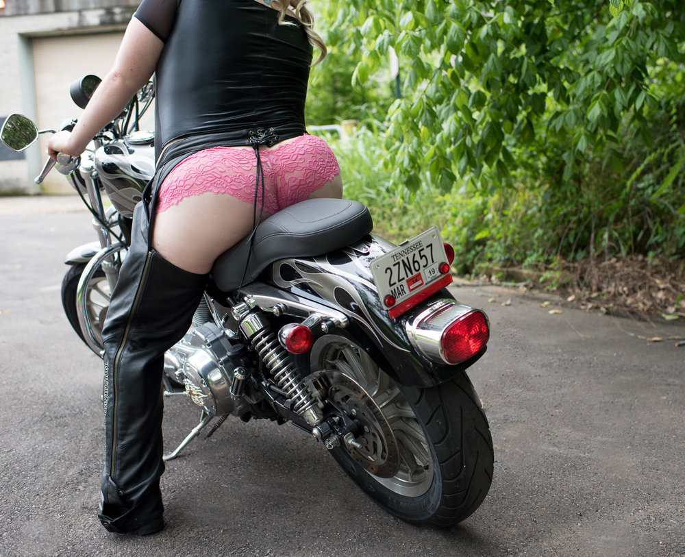 Motorcycle Lace and Leather Boudoir - D. Phillips Photography - Fort Campbell Clarksville Photographer - www.dphillipsphotography.com