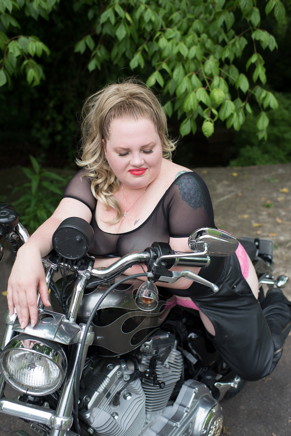 Outdoor Motorcycle Boudoir - D. Phillips Photography - Fort Campbell Clarksville Photographer - www.dphillipsphotography.com
