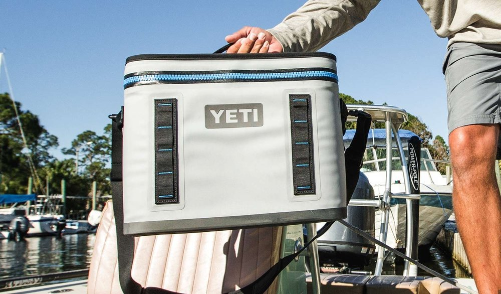 Yeti Hopper Flip 18 blue in cation.jpg