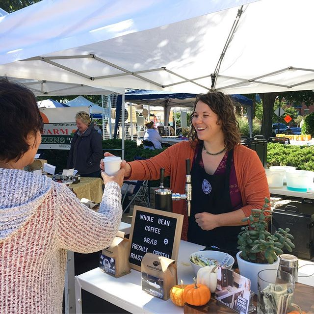 Do you love a good Farmer's Market?! Come see Danielle at the Algonquin Harvest Market and treat yourself to a drink, a pound of fresh roasted coffee, and a stellar smile 😁. . . . . . . #freshroastedcoffee #wholebean #espresso #coldbrew #pumpkinspice #homemade #farmersmarket #shoplocal #siplocal