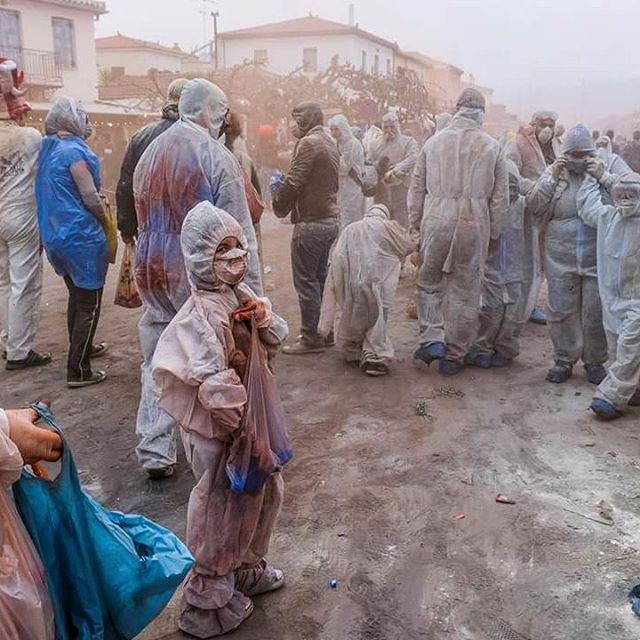 Reporting from the front line of the flour wars! Colour Festival at Galaxidi, Greece. #streetphotography #travelphotography #photojournalism #photographyworkshop #framedplanet #mattwidgery #fujifilmuk #fujixt2 #lonelyplanet #greece #apokria