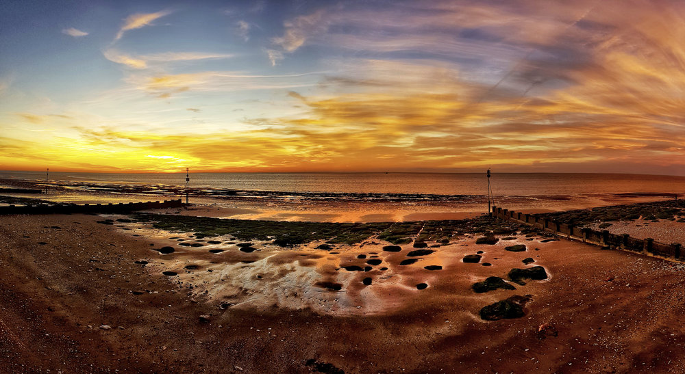 Hunstanton beach panorama taken with the Samsung Galaxy S8