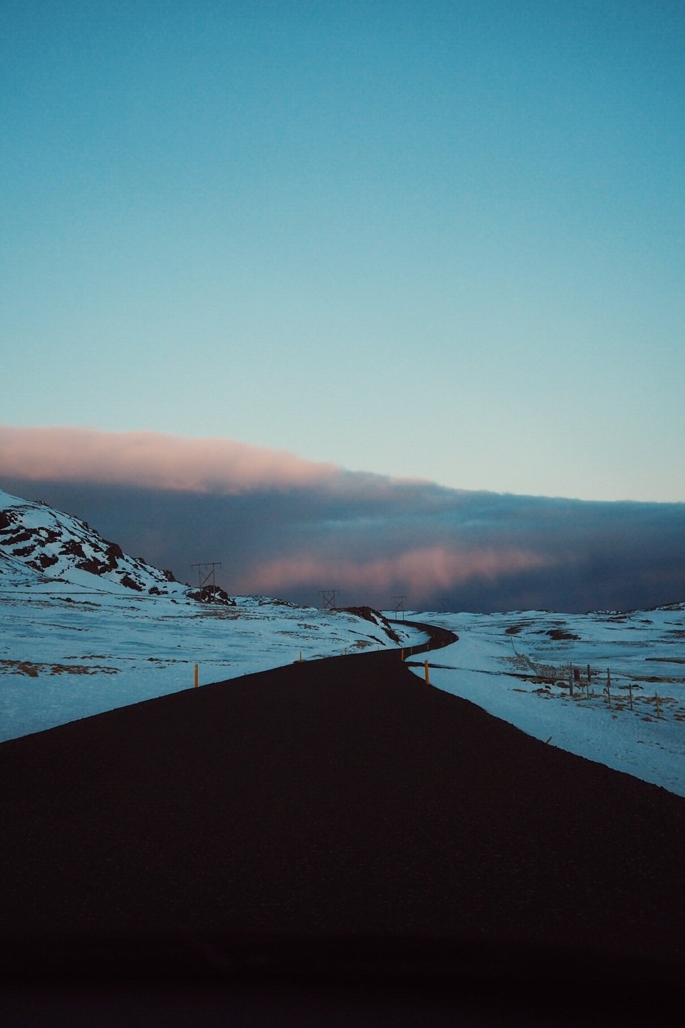 iceland road trip sunset