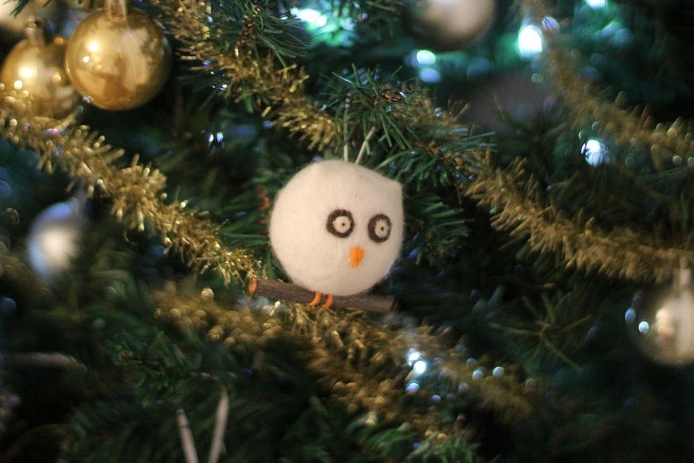 Owl Ornament // Gold Tinsel Garland   I love tinsel. It's so retro. This tinsel is very dainty which is perfect for a small tree. I also might use some to wrap around presents!