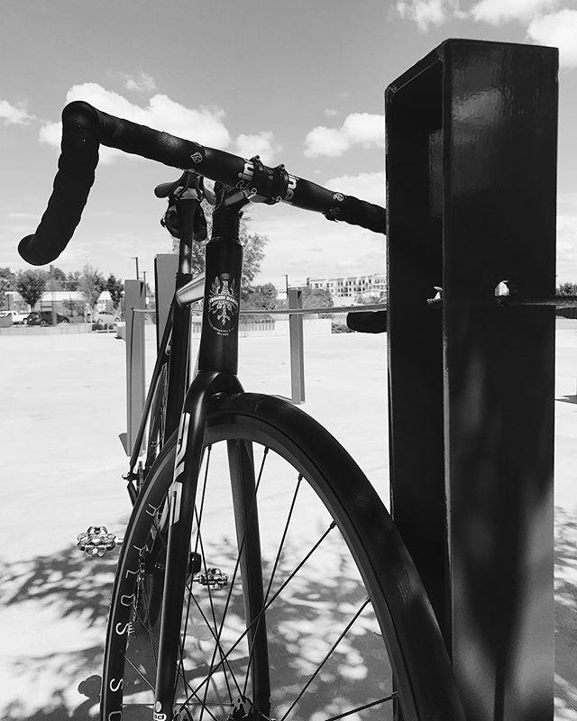 Last days of summer...🤙🏻 . . . #fixedgear #trackbike #irideenve