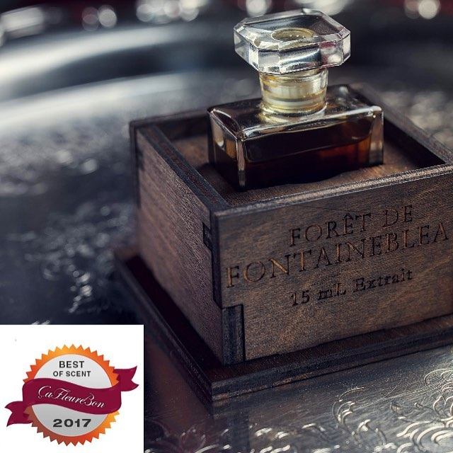 """Thank you to @cafleurebon for numbering La Forêt de Fontainebleau among 2017's Best of Scent.  Ida Meister writes """"If only some vintages were this fine! Smoky, floral, woody, divine"""" Learn more about this vintage-inspired beauty at www.fitzgeraldandguislain.com #cafleurebon #bestofscent #perfume #extrait #fragrance #vintageinspired #fitzgeraldandguislain"""