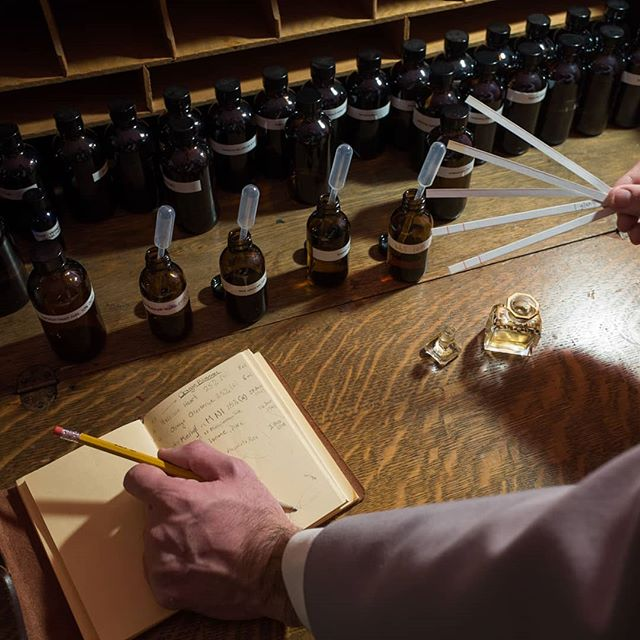 """Join us on February 4th at Tigerlily Perfumery for our popular Victorian perfume workshop, """"Perfumer's of the Gilded Age"""". Participate in a live enfleurage demo and sniff rare ingredients including deer musk and enfleurage extraits of tuberose, violets, and jasmine. Students will receive a generous sample set of precious, period-correct essences and perfume reproductions along with an extensive guide to the world of Victorian perfumery. Cost is $175 per student. Contact @tigerlilyperfumery to reserve your spot. Unable to travel to San Francisco for classes? Not to worry, we are launching a new series of online courses this spring! Help us craft the best classes possible and receive a 10% discount on future online workshops by taking our course offering survey. Link to the survey can be found in our bio."""