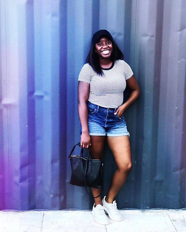 Weekend tingz 👌🏾 • • • • • • • • #segilolaileke #abmlifeiscolorful #abmlifeisbeautiful #blackgirlmagic #browngirlswhoblog #blackgirlswhoblog #blackbloggersunited #detroitlove #detroit_igers #detroitblogger #detroitgrammers #detroitvlogger #flashesofdelight #fbloggersau #ltkwoc #latergram #lovelysquares #livelittlethings #moodygrams #mykcymoment #ootdfashion #ootdblackgirls #petitejoys #pursuepretty #petitejoys #theeverygirl #vlogger #detroitshippingcompany