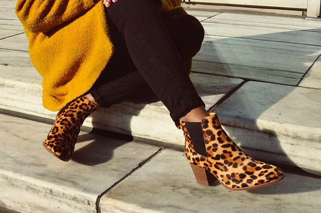 Stepping into the New Year 🐆 • • • • • • • • #wellheeled #denimmadewell #everydaymadewell #detroitblogger #detroitvlogger #detroit_igers #detroitlove #moodygrams #liveauthentic #styleblogger #lookbook #styleinspo #minimalmovement #whatiwore #fblogger #minimalmood #todaysfit  #outfitsociety #postthepeople #livefolk #segilolaileke #ootdblackgirls #detroitgrammers #blackgirlmagic #blackgirlswhoblog #livelittlethings #fashiongoals  #visualgang #animalprint #leopard