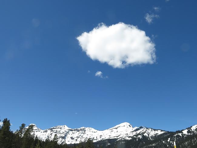 lone_cloud.jpg