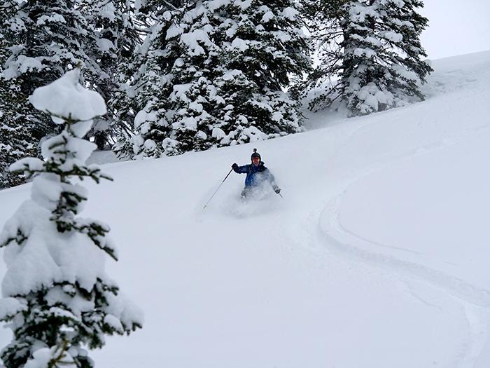 yellowstone_powder_skiing.jpg