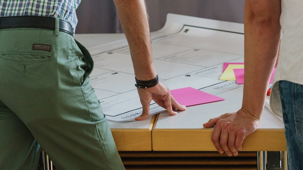 DESIGN RESEARCH & STRATEGY - AWAY | Brand strategyJUBI | Consumer behavior change strategyBank innovation strategy in the freelance economyMacy's | Disruptive innovation strategy