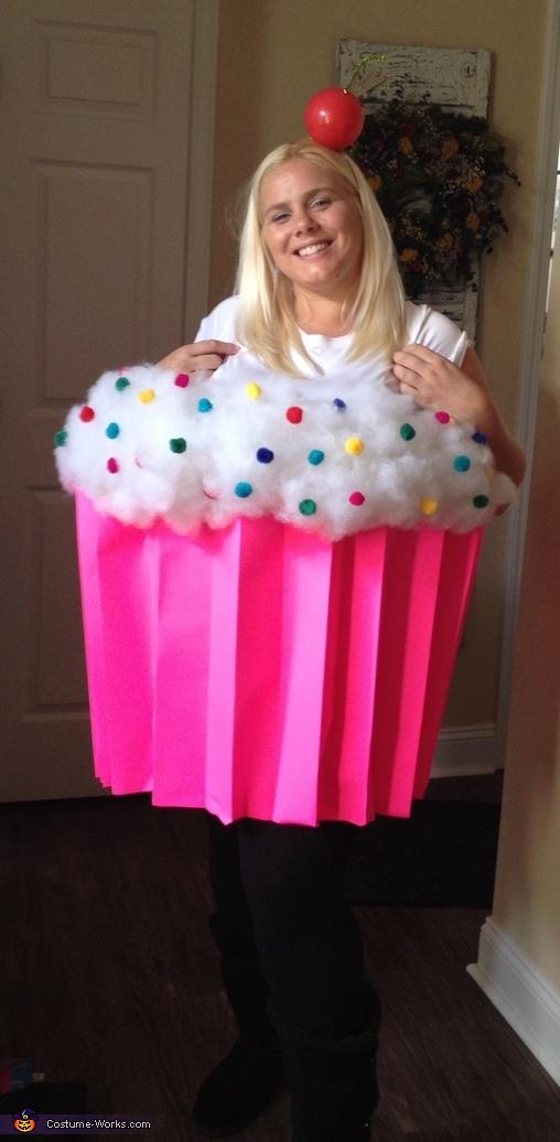 Cupcake_Costume_(via_www.costume-works.com).jpg