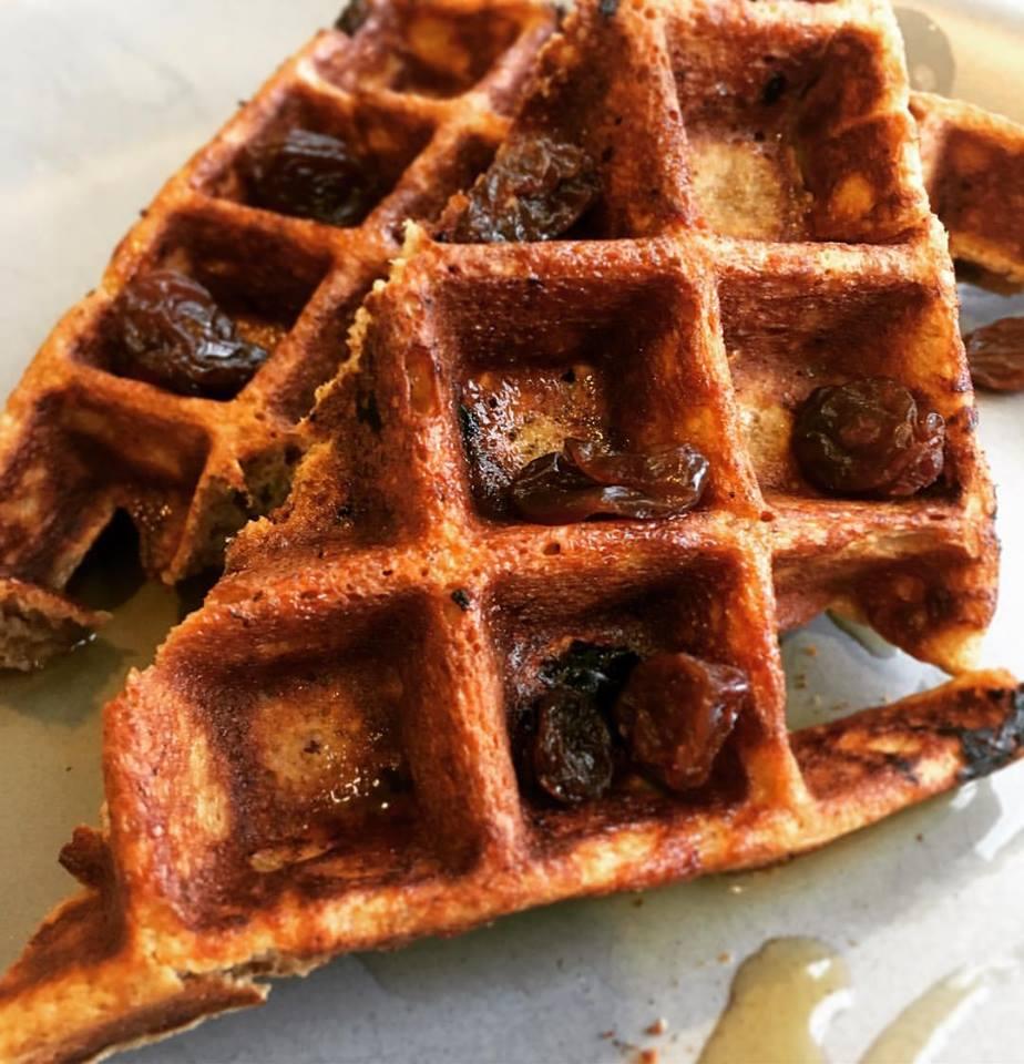 Gingerbread-Raisin Waffles