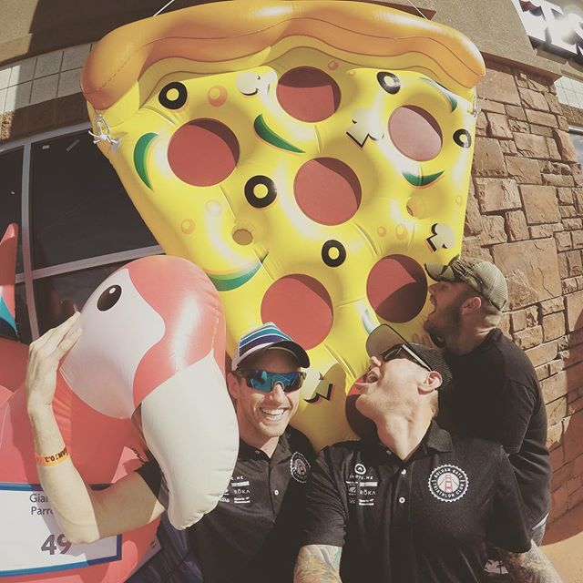 Big ol slice of 'za and a pink flamingo. #GGTC keepin' it real in St. George. #GGTC #purplepatchfitness #gopro #stgeorge703 #pizzaslut #whatveganseat