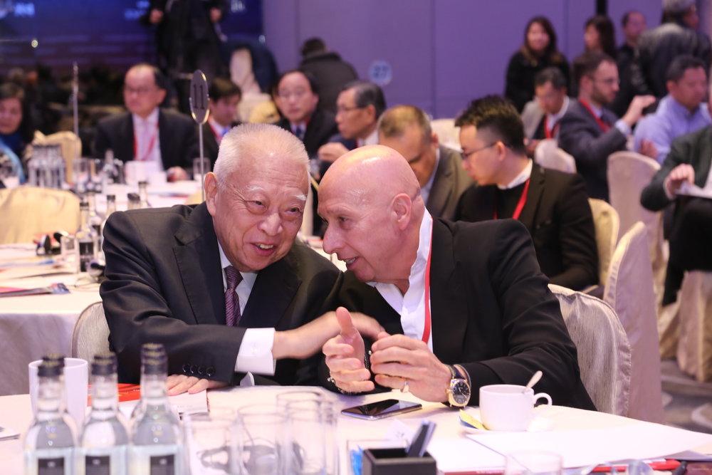 (图左起)董建华先生及兰桂坊控股有限公司主席盛智文博士。