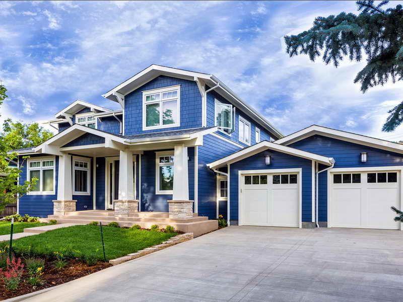 Blue-House-Paint-Ideas-with-White-Garage2.jpg