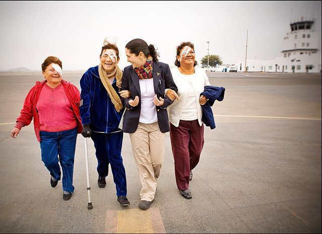 When a captured frame comes within range of succeeding to #convey what you hoped. Cataract patients walking the tarmac to an ambulance after surgery on a plane that doubles as a super cool eye hospital. Trujillo, Peru, 2011. . . #happy #leaseonlife #photographer #onassignment @orbisintl #flyingeyehospital #hospitalinthesky #savingsight #eyewitness #eyesoftheworld #visionrestored #latinamerica #seetheworld #itswhatido #planespotters @fedex