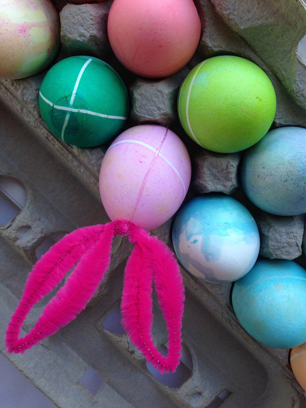 decorating_eggs_10.jpg