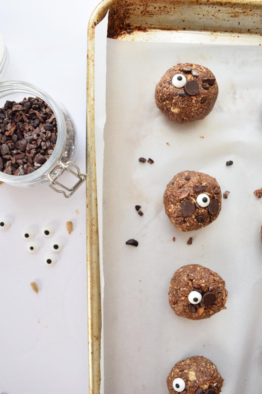 halloween_spider_cookies_2.jpg