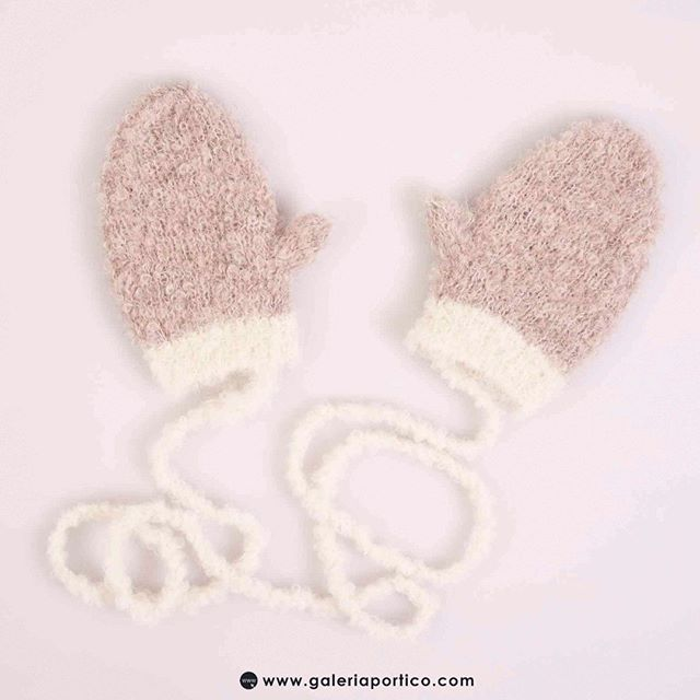 Winter gloves for children  子供用の冬用手袋 - #winter #winteroutfit #winterlook #globes #kids #children #moda #alpaca #babyalpaca #soft #fashion #peruvian #japan #gift #instagood