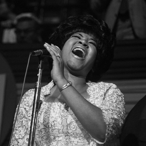 We will be here all day paying tribute to the Queen #arethafranklin #queenofsoul #rip