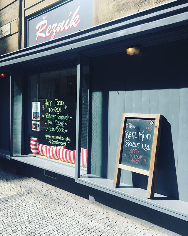 What a day for it! ☀️ Come and grab all your meat needs for the weekend and pick up a roast pork sandwich with apple sauce (and a beer!) whilst it lasts! Enjoy the weekend from the TRMS team!  #trms #praguefood #butchershop