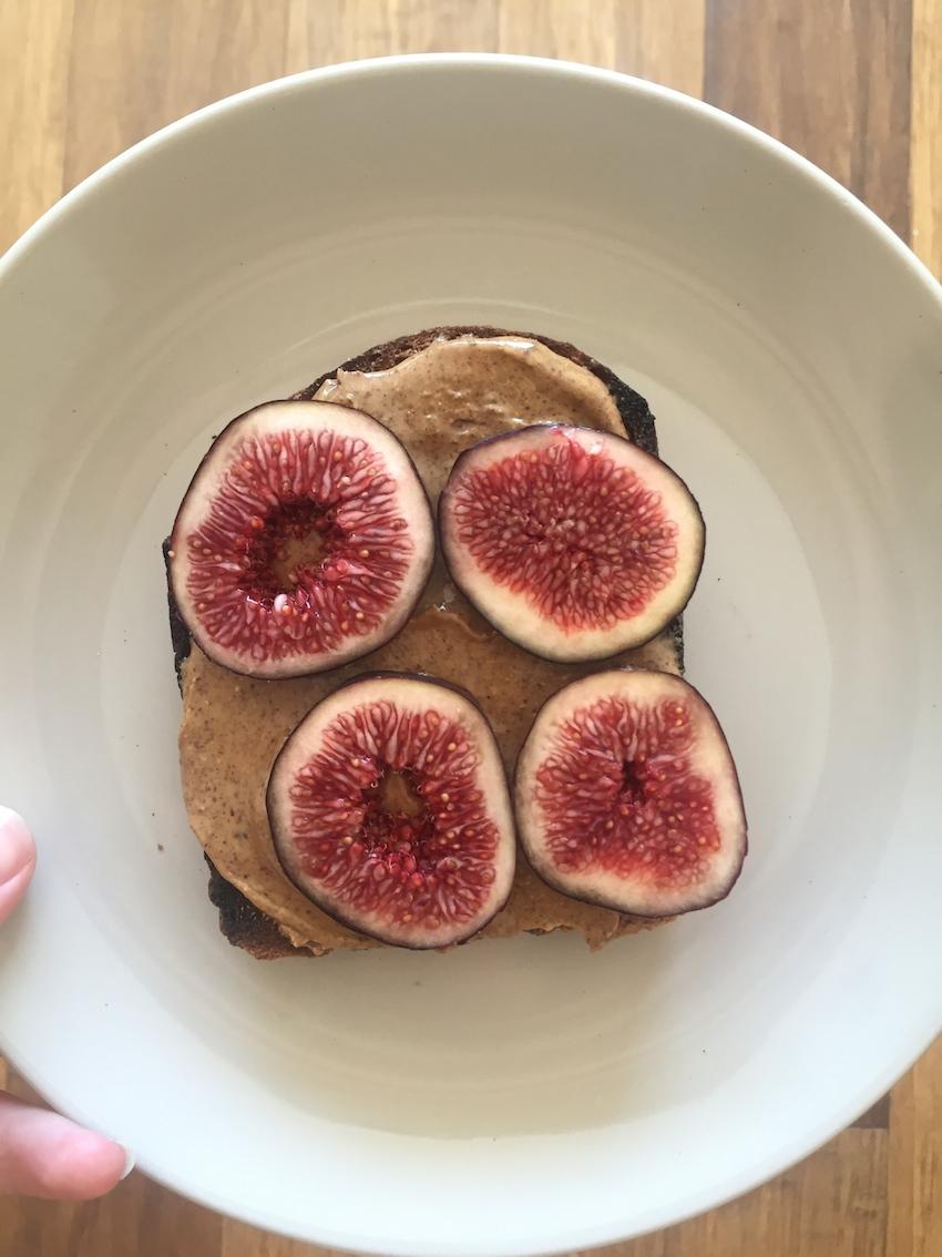 fig-toast.jpg
