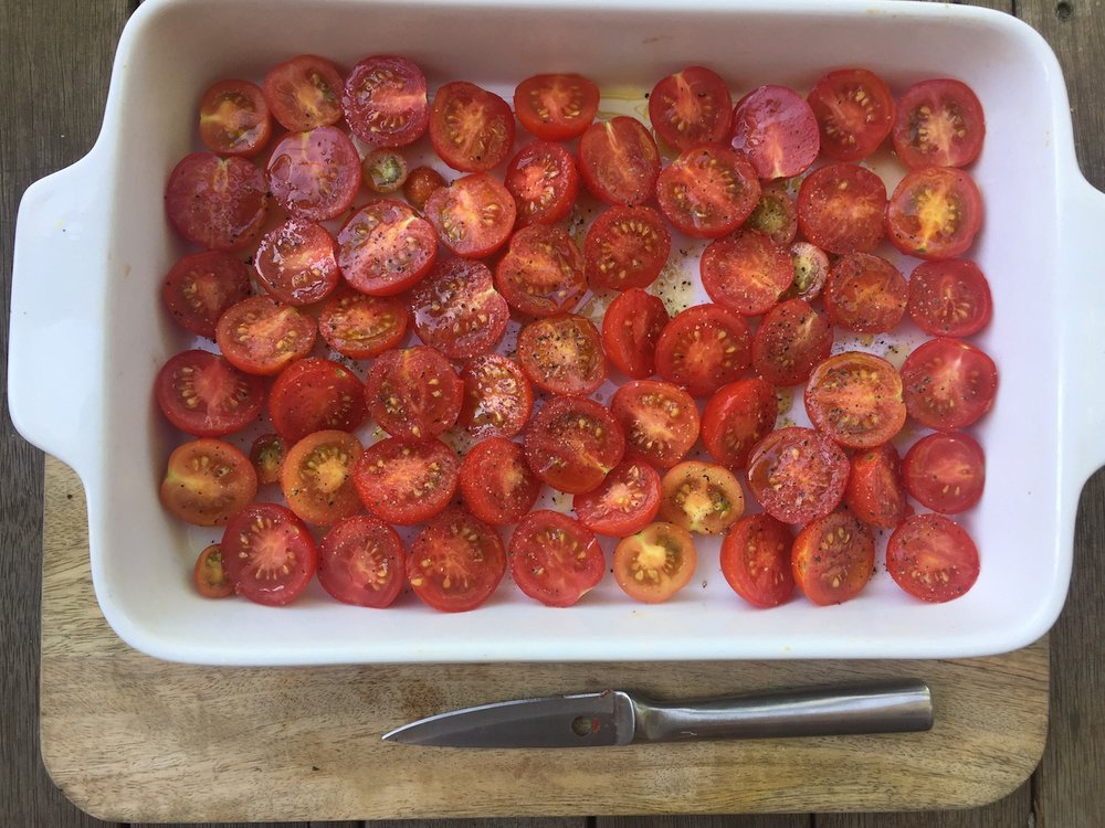Fresh tomatoes ready for roasting