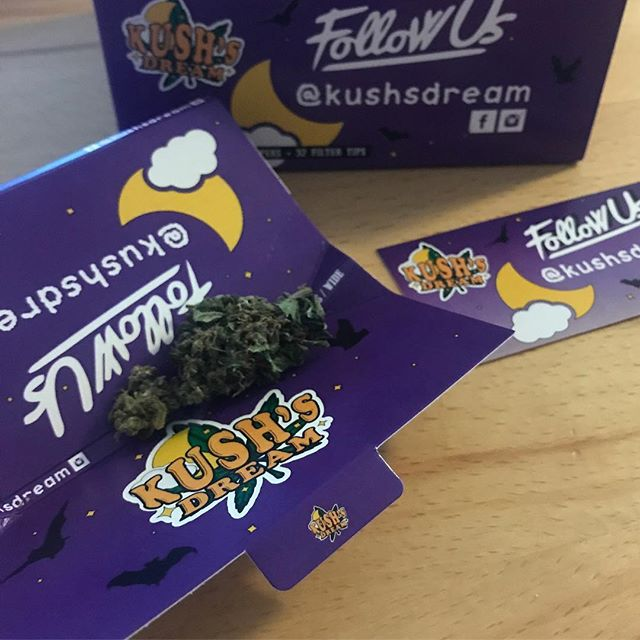 We got gifted today! Our firends at @kushsdream are taking over!  @kushsdream paper and #KushsWidow! Best #CBD flowers we have smoked in Switzerland! 🇨🇭 #madeinswitzerland  #kushsdream #cbdadvisor #switzerland #cbdswitzerland  GET YOUR WEED CLUB MEMBER CARD FOR BARCELONA HERE!  Drop us a DM or find out more in our bio!  #weedadvisor #weedtour #weedclub  THE GREEN GENTLEMEN present HIGH OF LIFE ----------- Tag your pictures with #HIGHOFLIFE to get a chance to be featured. ----------- 👉 Follow: @2high4yall 👉 Tag: #highoflife ----------- #weed #herb #educatwyourself #marijuana #marihuanalifestyle #2high4yall #highman #highlife #medicalmarijuana #weedlife #marijuanamovement #legalizeit #marijuanaclub #territoryofthegreengentlemen  #thegreengentlewomen #theweedway ----------- ❕ Facebook: High of Life❕