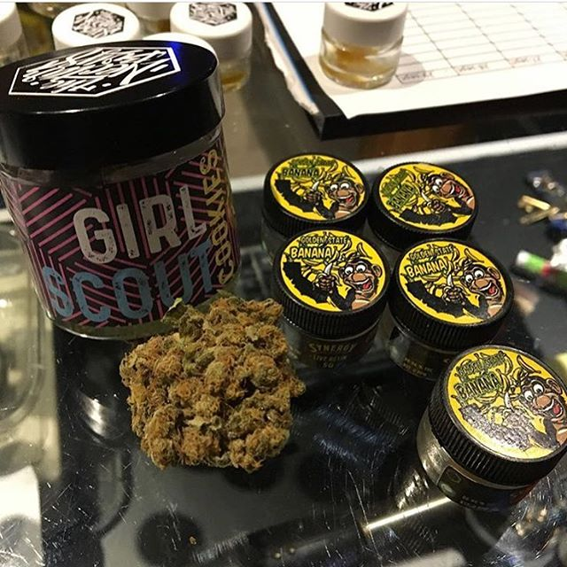 Breakfast for champions in #Barcelona! #topshelf  #GoldenStateBanana 🍌 🍌 🍌 #GirlScoutCookies 🍪 🍪 🍪  GET YOUR WEED CLUB MEMBER CARD FOR BARCELONA HERE!  Drop us a DM or find out more in our bio!  #weedadvisor #weedtour #weedclub  THE GREEN GENTLEMEN present HIGH OF LIFE ----------- Tag your pictures with #HIGHOFLIFE to get a chance to be featured. ----------- 👉 Follow: @2high4yall 👉 Tag: #highoflife ----------- #weed #herb #educateyourself #marijuana #marihuanalifestyle #2high4yall #highman #highlife #medicalmarijuana #weedlife #marijuanamovement #legalizeit #marijuanaclub #territoryofthegreengentlemen  #thegreengentlewomen #theweedway ----------- ❕ Facebook: High of Life❕