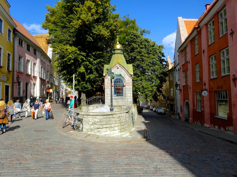 Top 9 Things to do in Tallinn: Stroll down the cobblestone streets