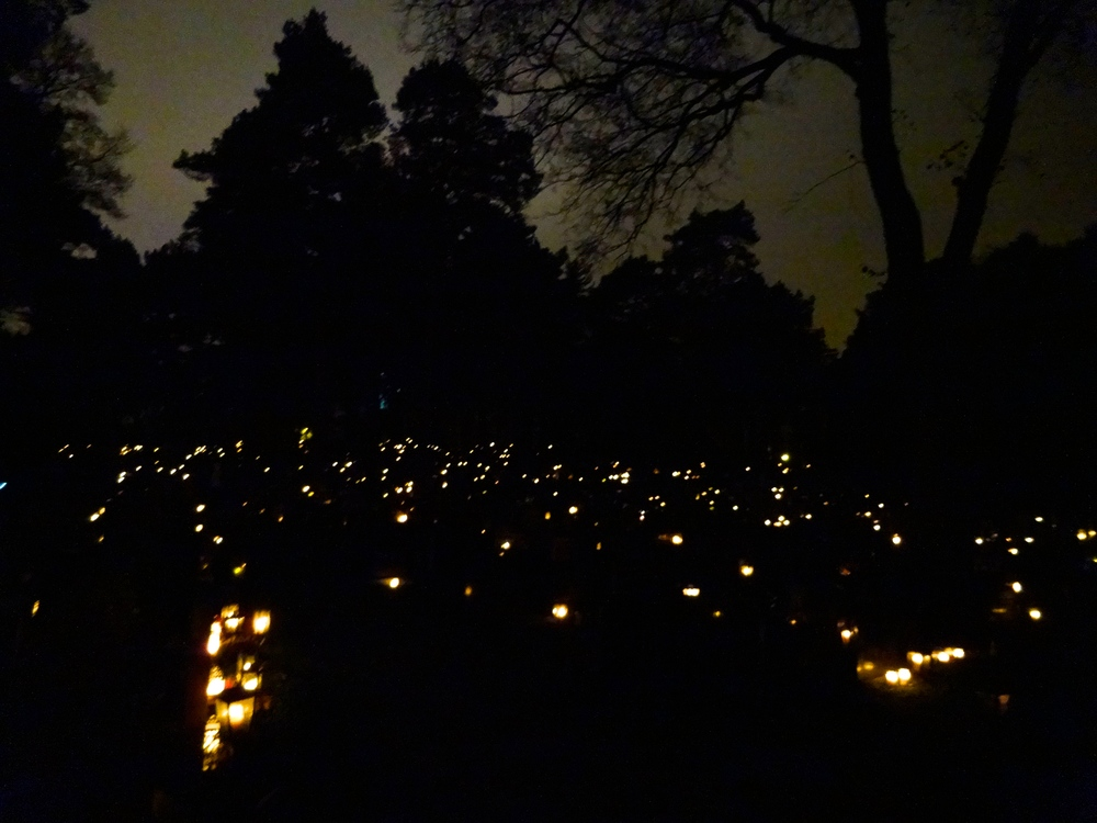 All Saints Day in Finland: Hietaniemi Cemetery in Helsinki