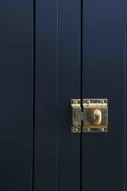 brass lock, cupboard door, kitchen design, brass catch