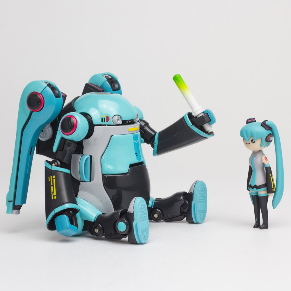 Hatsune Miku x 1000 Toys x Frederator